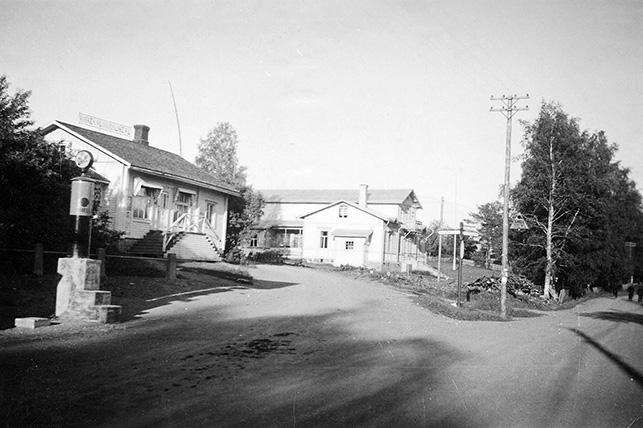 Osuusliikkeen talo ja vanha Seurahuone
