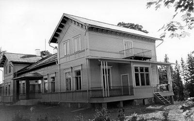 1950-luvun kiinteistökuvat nähtävillä