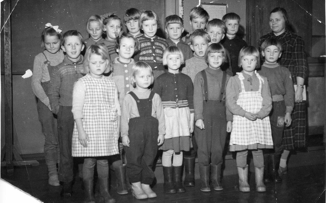 Pihkasalmen kansakoulun luokkakuva 1958 – 1959