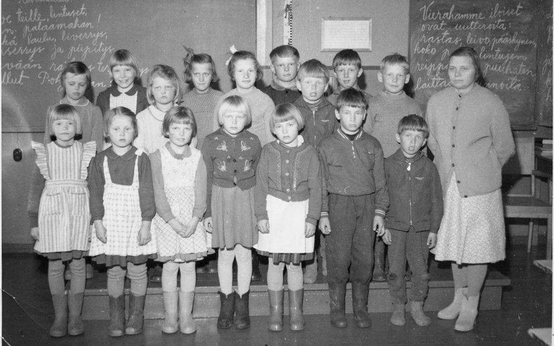 Pihkasalmen kansakoulun luokkakuva 1959 – 1960