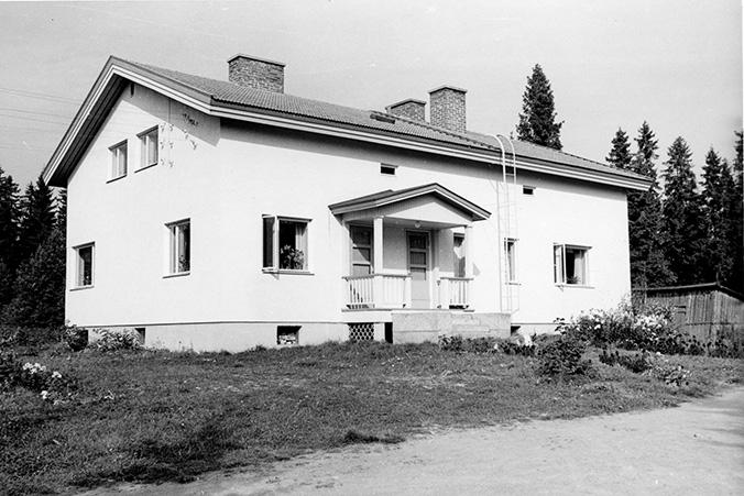 Jäämaa, Esko. Ali-Hankala