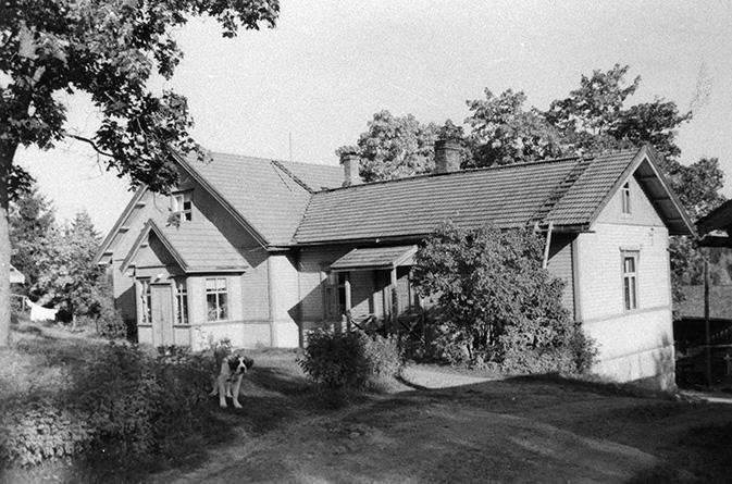 Myllymäki, Paavo. Anttila