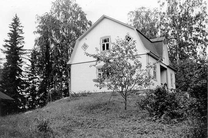 Hammar, Kalle. Niemelä