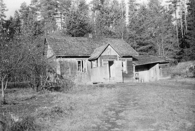 Hyytiäinen, Tapani. Anttila RN 8 8 Miehola.