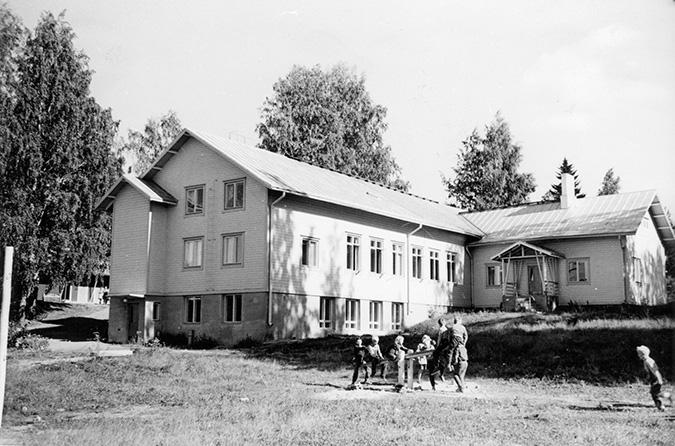 Mieholan kansakoulu. Koulu