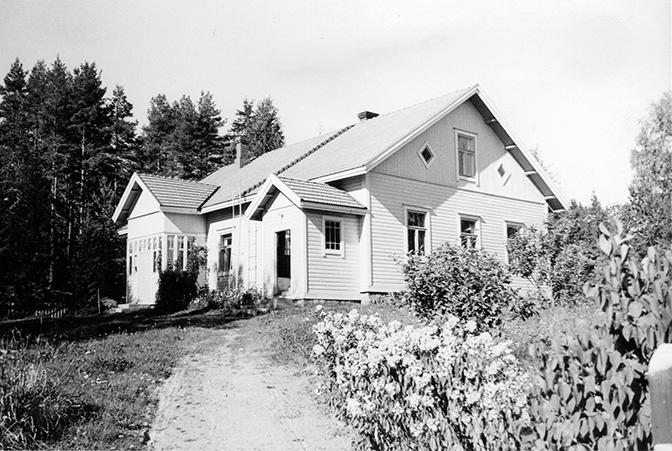 Vikkilä, Eino. Vikkilä