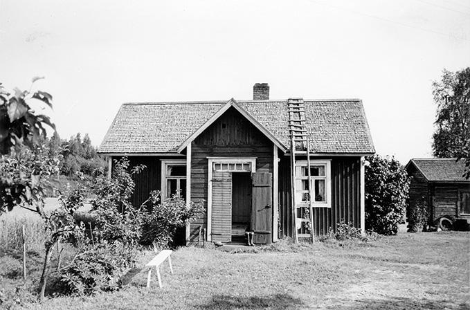 Mäkelä, Keski-Porvola.
