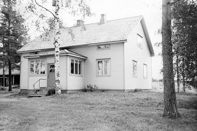 Nisula, Mikko. Pirttisyrjä