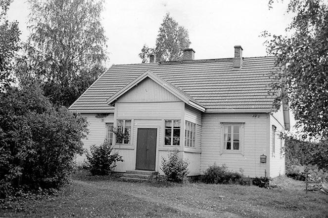 Mäkinen, Edvard. Mäki-Sipilä Huljala.