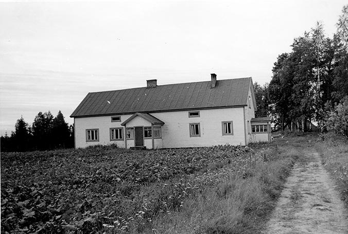 Sydänmäki, Otto. Kulma-Seppälä Huljala.