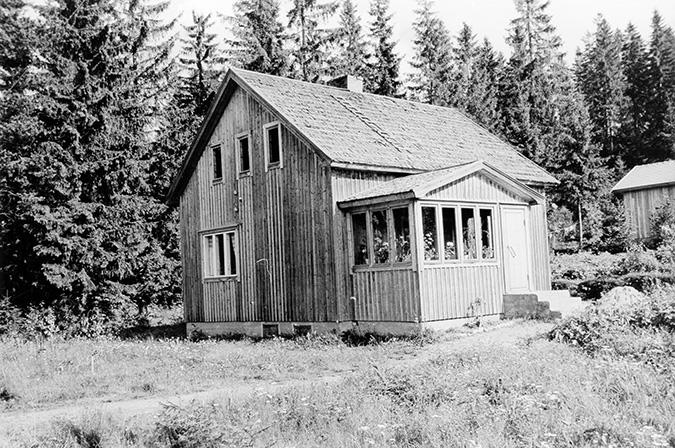 Heinonen, Kalle. Kallionalusta Koskenkylä