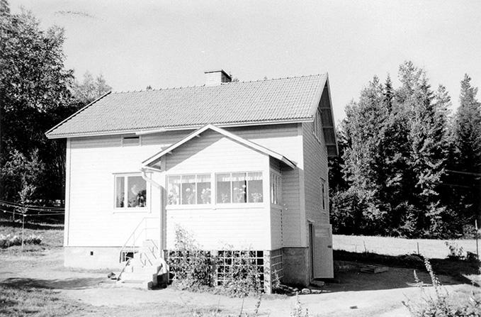 Heini, Veikko. Tapanila Koskenkylä.