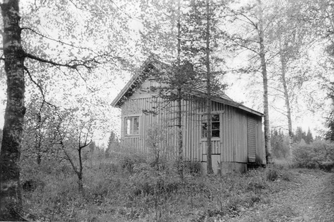 """Veikko Lepolan sisaren mökki. """"Mäkelä"""" Koskenkylä."""