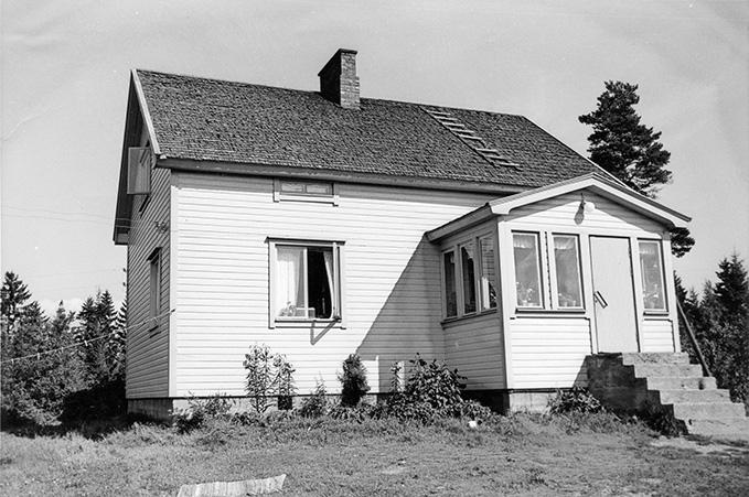 Poskiparta, Aaro. Rajamäki Koskenkylä.