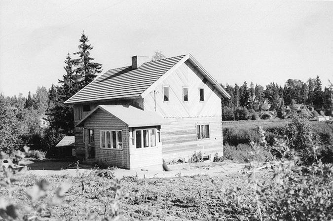 Saarinen, Kalle. Varjoranta Koskenkylä.