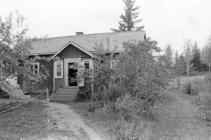 Vuorinen, Alpo. Ahola Koskenkylä.