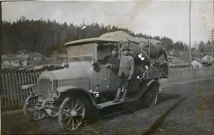 Verkatehtaan autonkuljettaja Hjalmar Verho