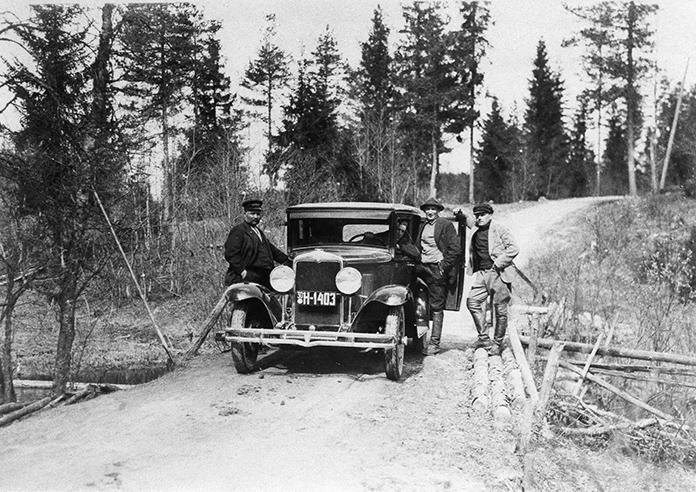Vilho Mannila autoineen v. 1930