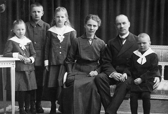 Konttoripäällikkö Gösta Mäkelän perhe