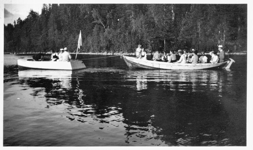 Kesäretkellä Pääjärvellä Koski Hl 1914