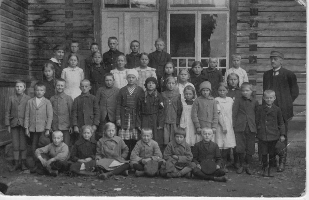Koski Hl Kirkonkylän koulu 1920