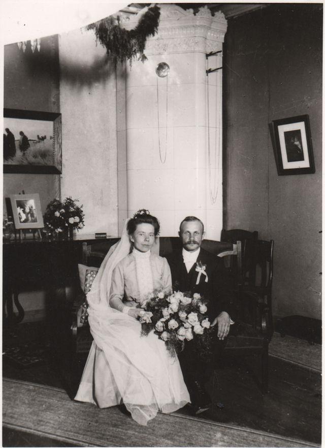 Hääpari Toivo ja Irene Tamminen 1912