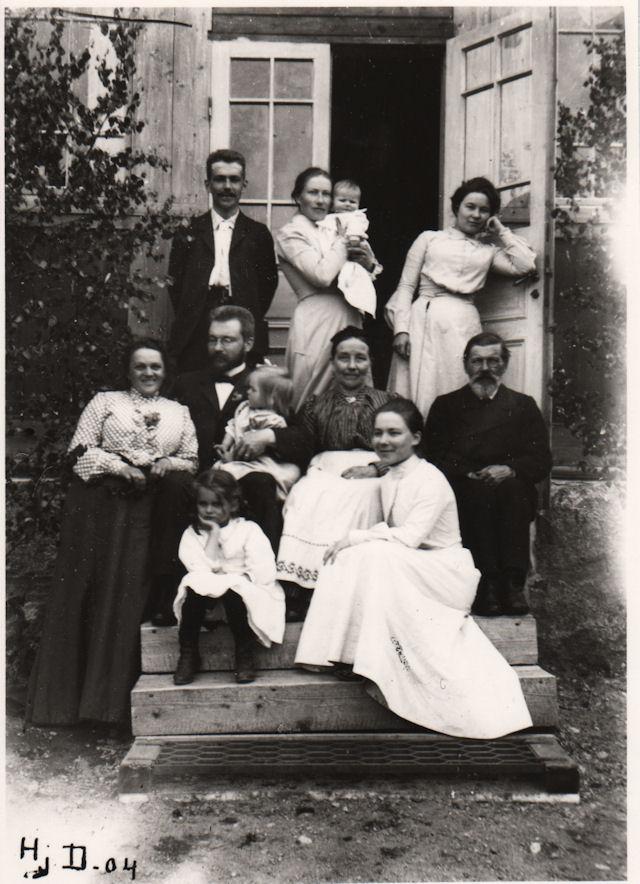 Fina ja Janne Dufva jälkipolvineen 1904