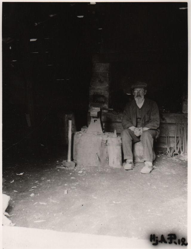 J.B. Dufva Palomaan pajassa 1912
