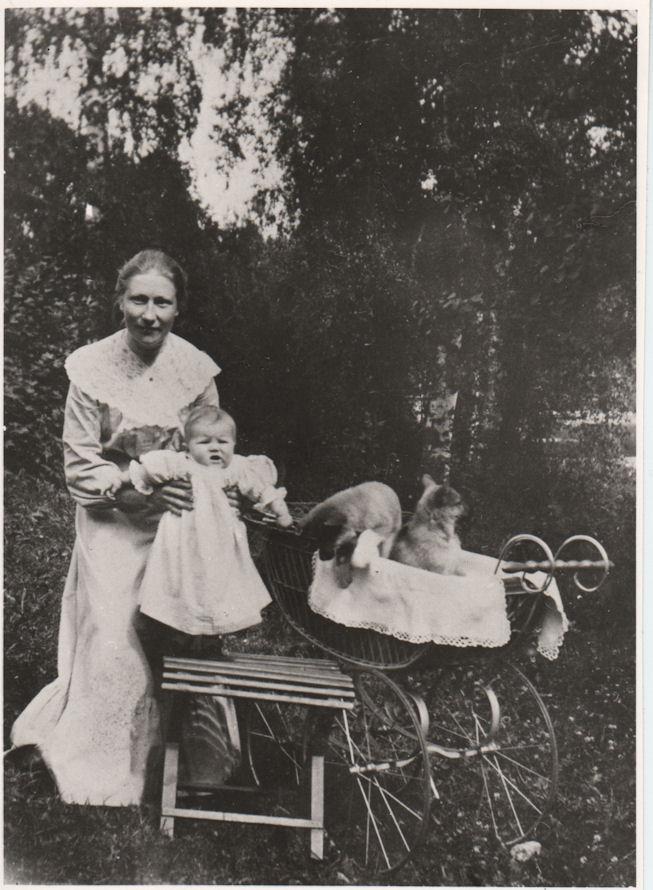 Anna ja Irja Punnonen