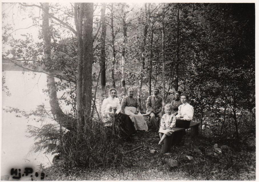 Palomaan Isonjärven Niemelässä 1909