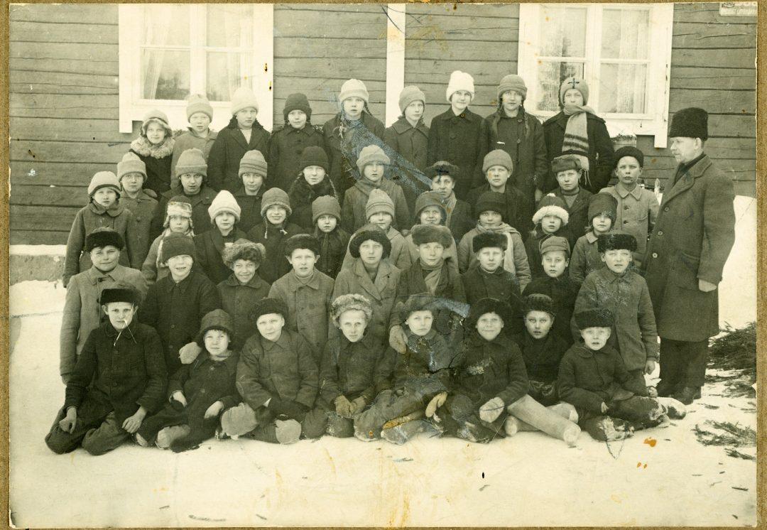 Hyväneulan koulukuva 1923