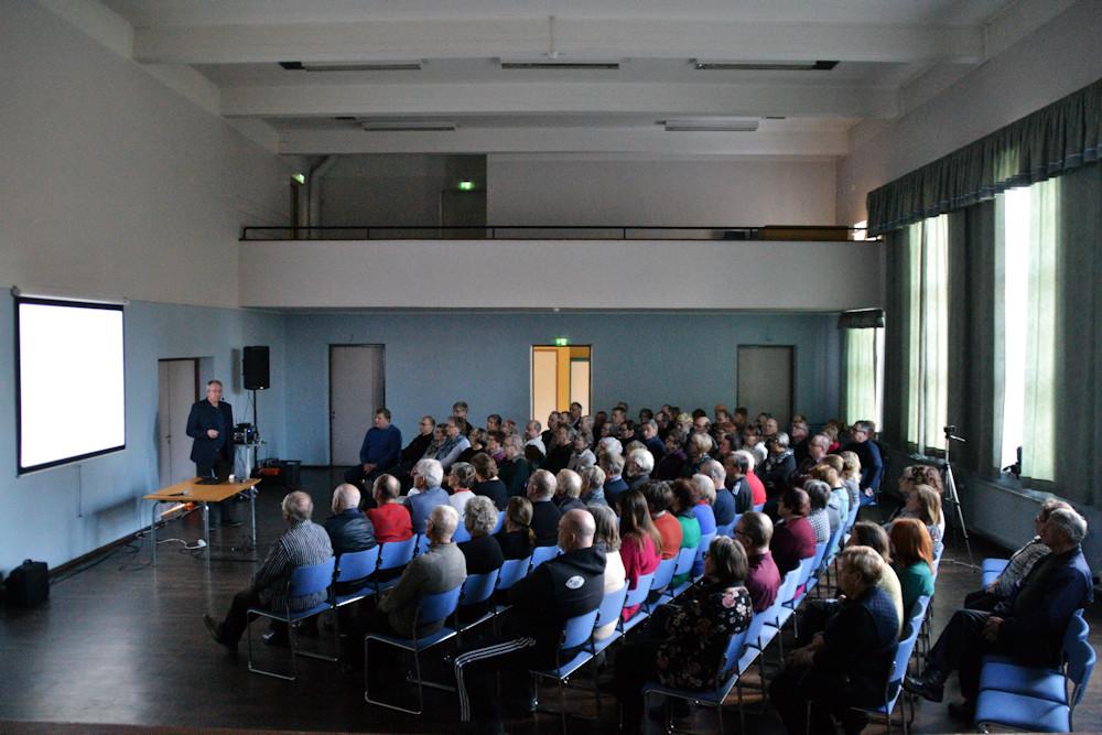 Pauli Helénin Huljala-luento kiinnosti koskelaisia