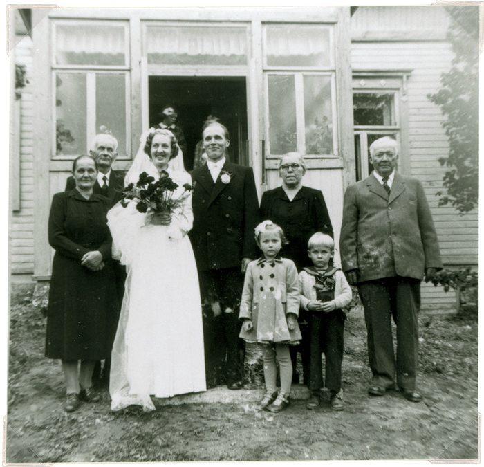 Helka ja Mikko Rokkilan häät 1951 Putulassa