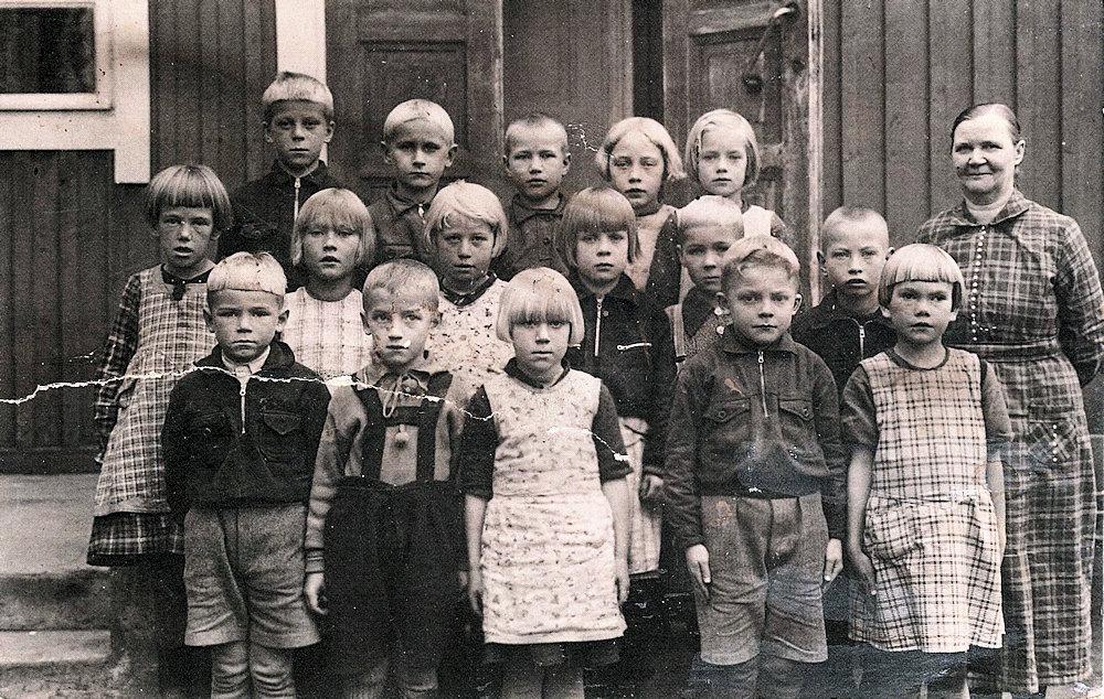 Hyväneulan alakoulun luokka 1945
