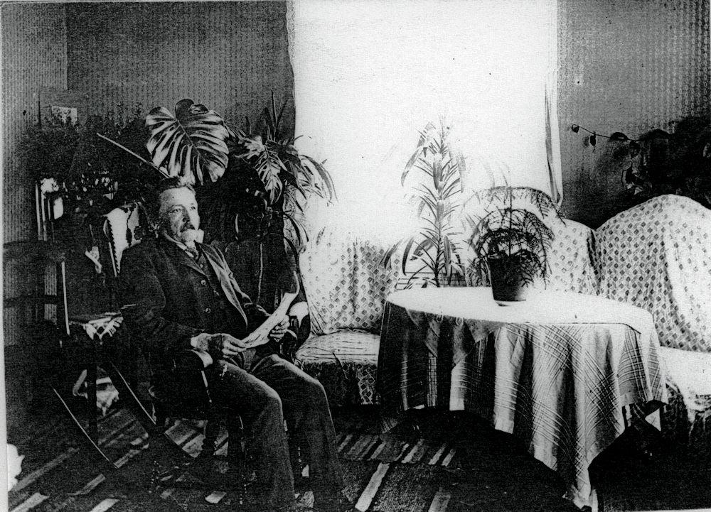 Konstantin Koskinen salissaan