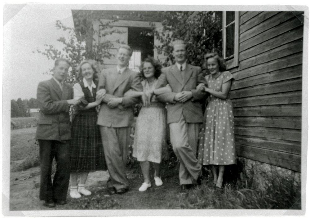 Tuloiselan ja Halmeen serkukset, Hyrkkälä / Putula