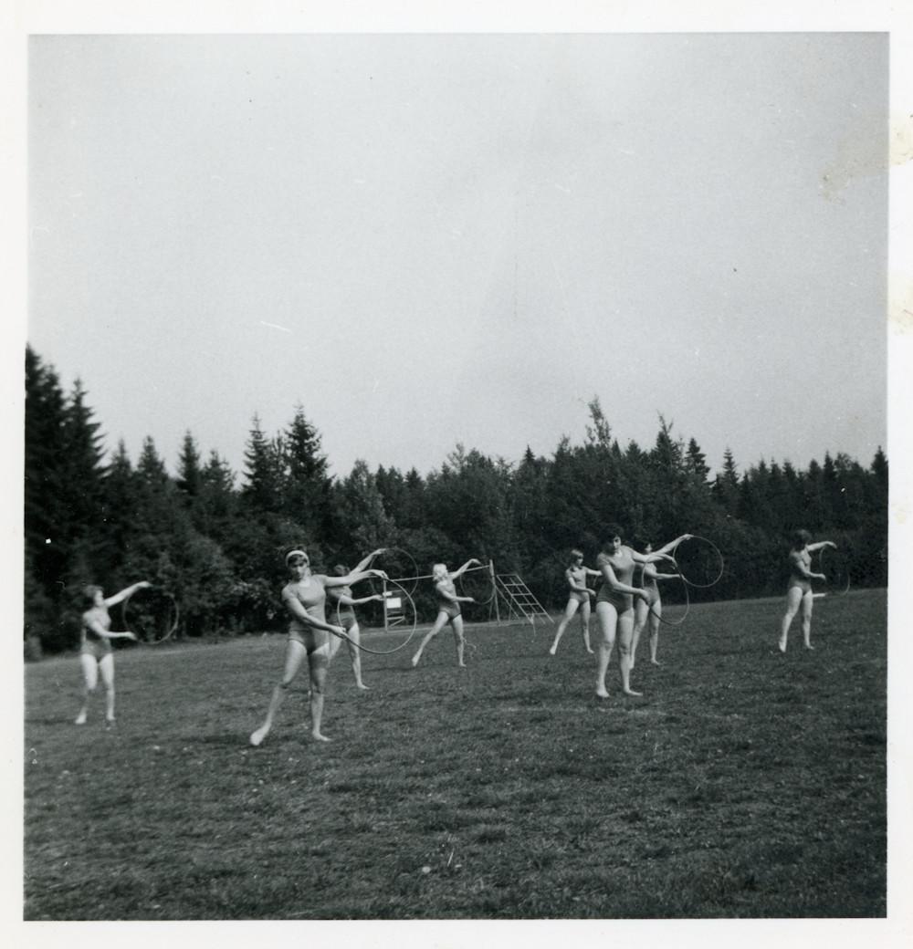 Kosken Kuohun Naisvoimistelijat 1965