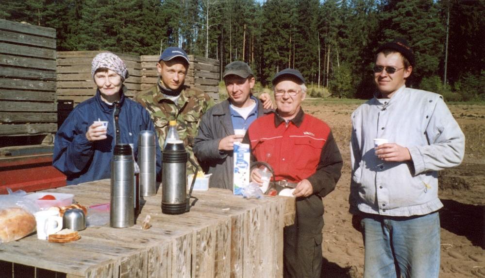 Kahvitauko Kaunkorven perunapellolla v. 2005