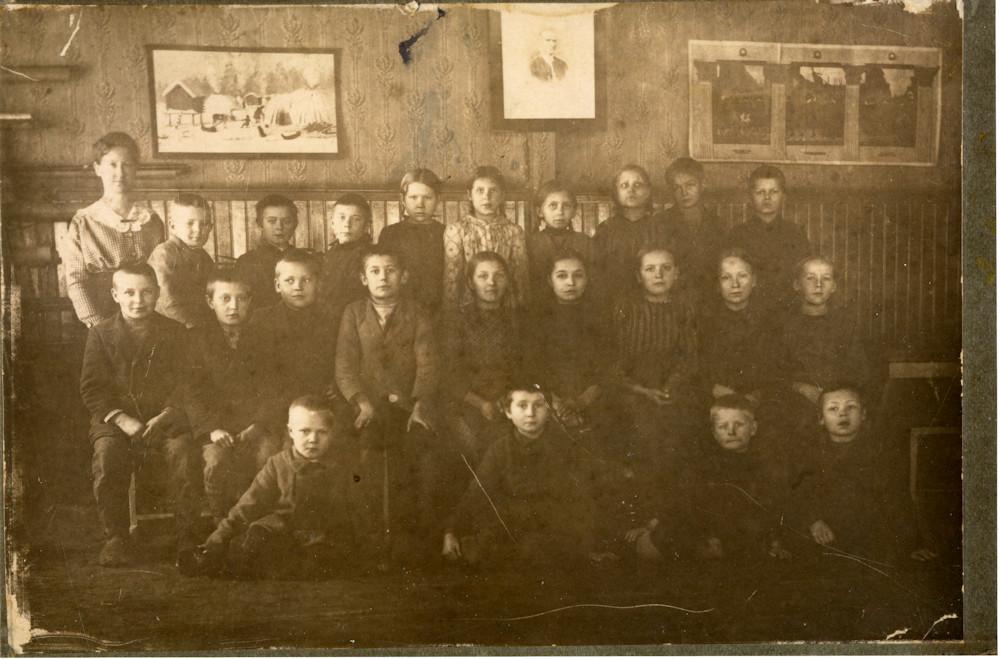 Koulukuva, Putulan kansakoulu, noin vuodelta 1915 – 1917