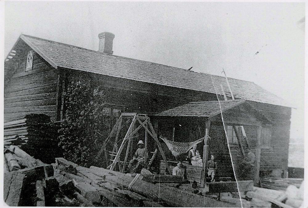 Hyrkkälän Tupaselan vanha päärakennus v. 1917