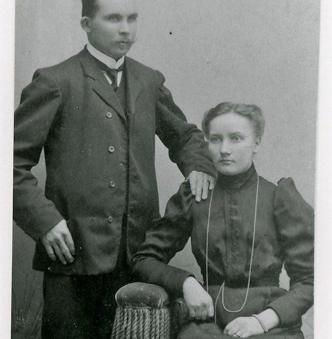 Kustaa Tupasela ja Aino Tupasela o.s. Tuloisela
