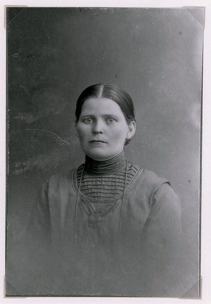 Hilma Tupasela s. 1883, k. 1922