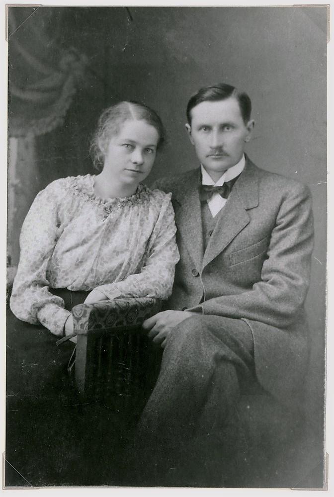 Eelis ja Lyyli Tuloisela