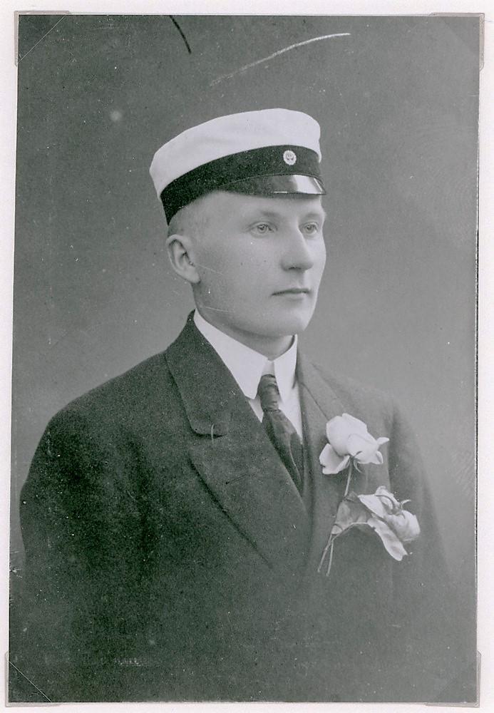 Jalo Tuloisela, ylioppilaskuva