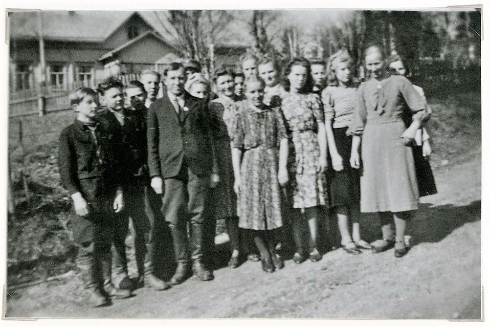 Nuorisoseura Riennon talon liepeillä, 1930-luvun lopulla
