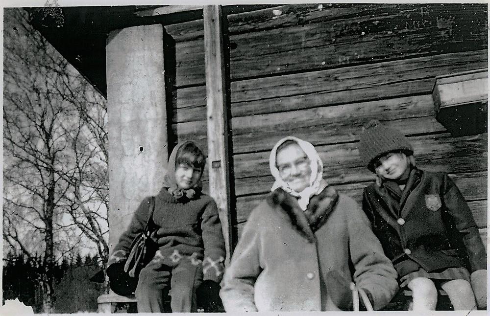 """""""Kaupparilla"""" 1960-luvun alkupuolella, Putula"""