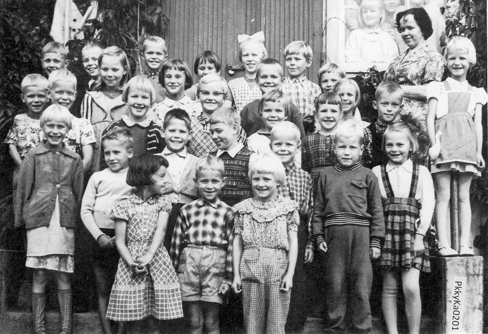 Putulan kansakoulu, lukuvuosi 1957-1958, 1.– 3. luokat, koulukuva