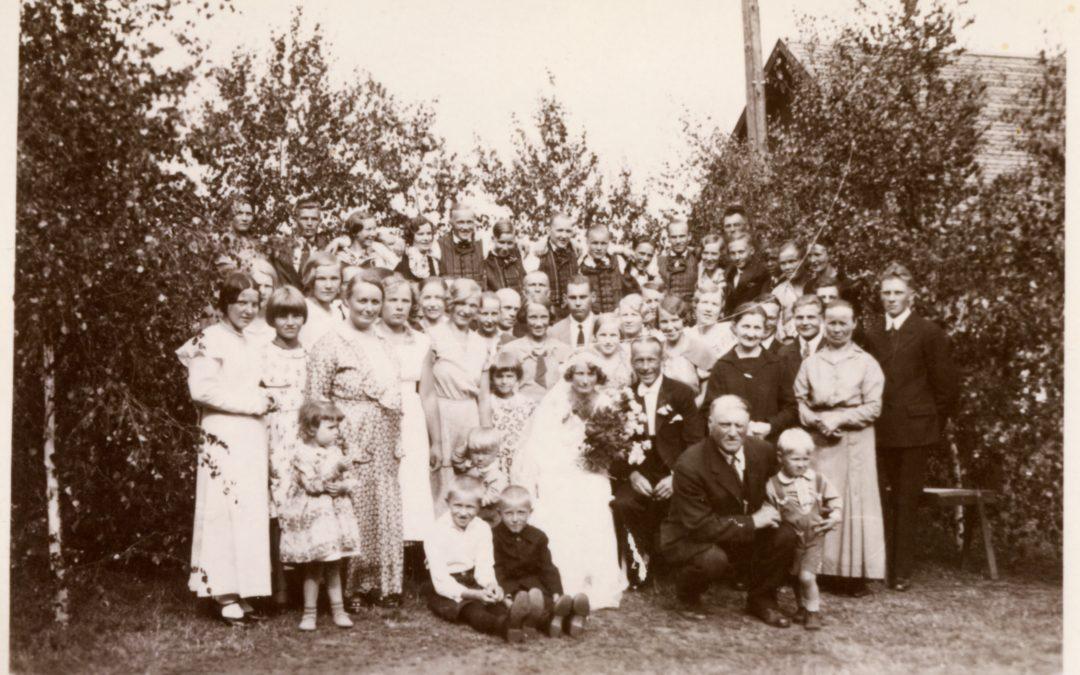 Helvi Nisulan ja Bror Lindholmin häät Hyväneulassa v. 1933