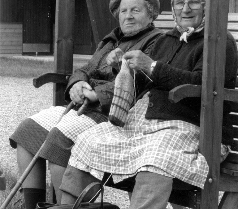 Vanhusten rivitalon keinussa