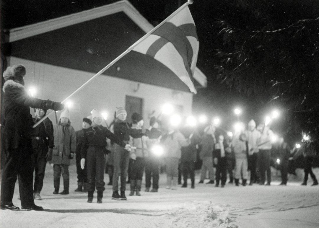 Kosken partiolaisten itsenäisyyspäivän soihtukulkue